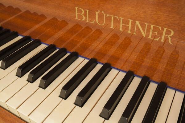 פסנתר למכירה BLUTHNER